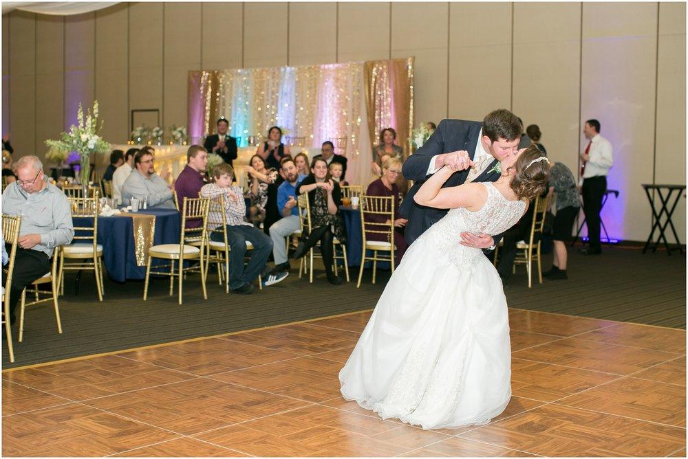 Madison_Wisconsin_Wedding_Photographers_Winter_Wedding_Oshkosh_Wisconsin_2408.jpg