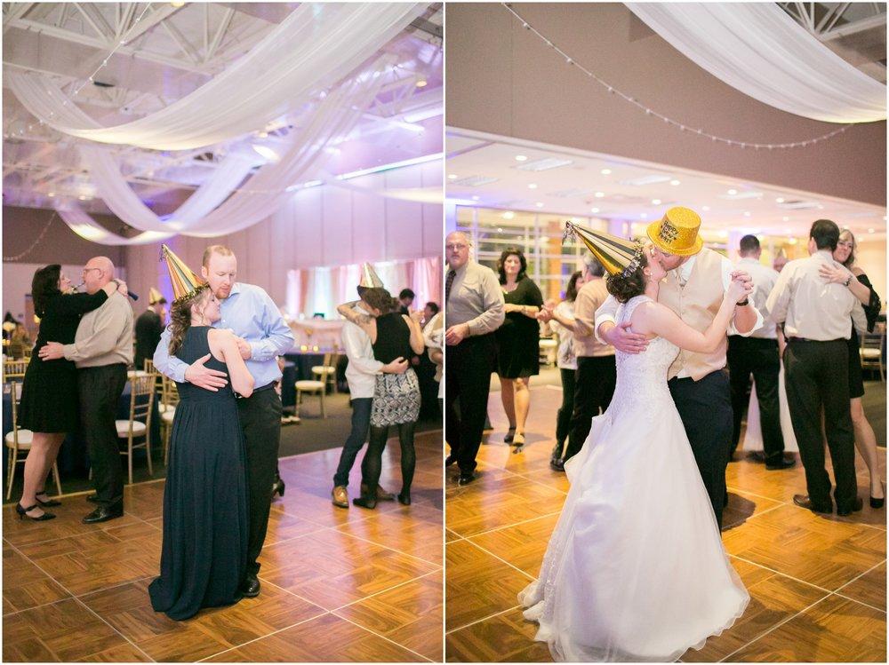 Madison_Wisconsin_Wedding_Photographers_Winter_Wedding_Oshkosh_Wisconsin_2412.jpg
