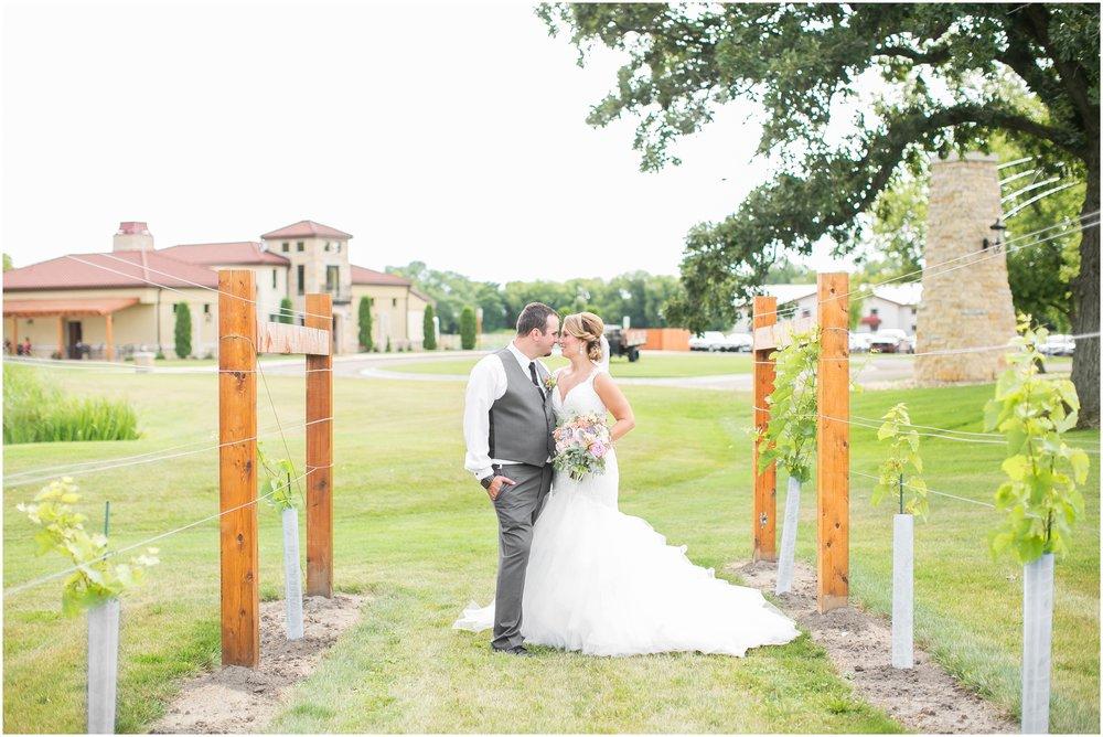 Madison_Wisconsin_Wedding_Photographers_Wedding_Portraits_2016_Favorites_Caynay_Photo_2510.jpg