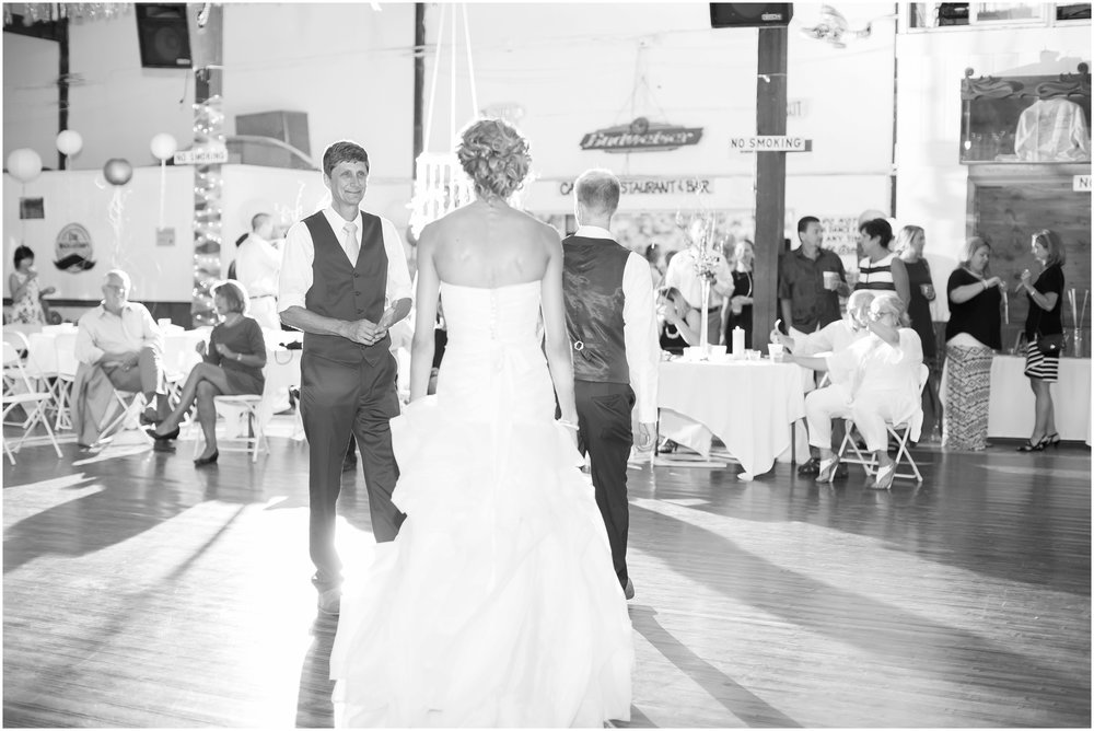 Madison_Wisconsin_Wedding_Photographers_Wedding_Portraits_2016_Favorites_Caynay_Photo_2514.jpg