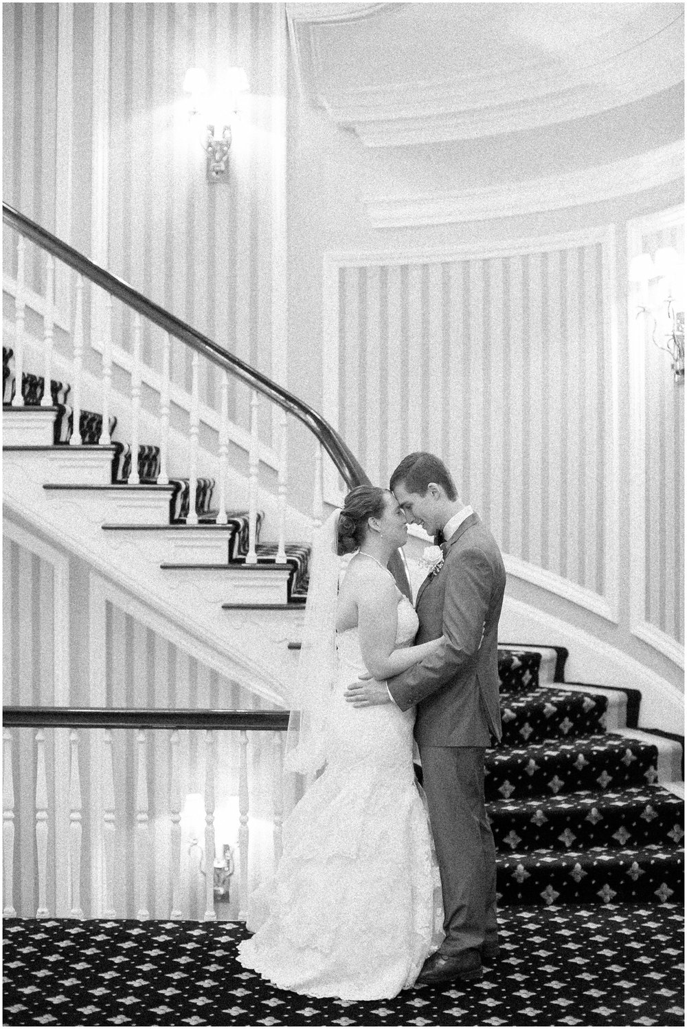 Madison_Club_Madison_Wisconsin_Wedding_Photographer_Spring_Rainy_Wedding_2600.jpg