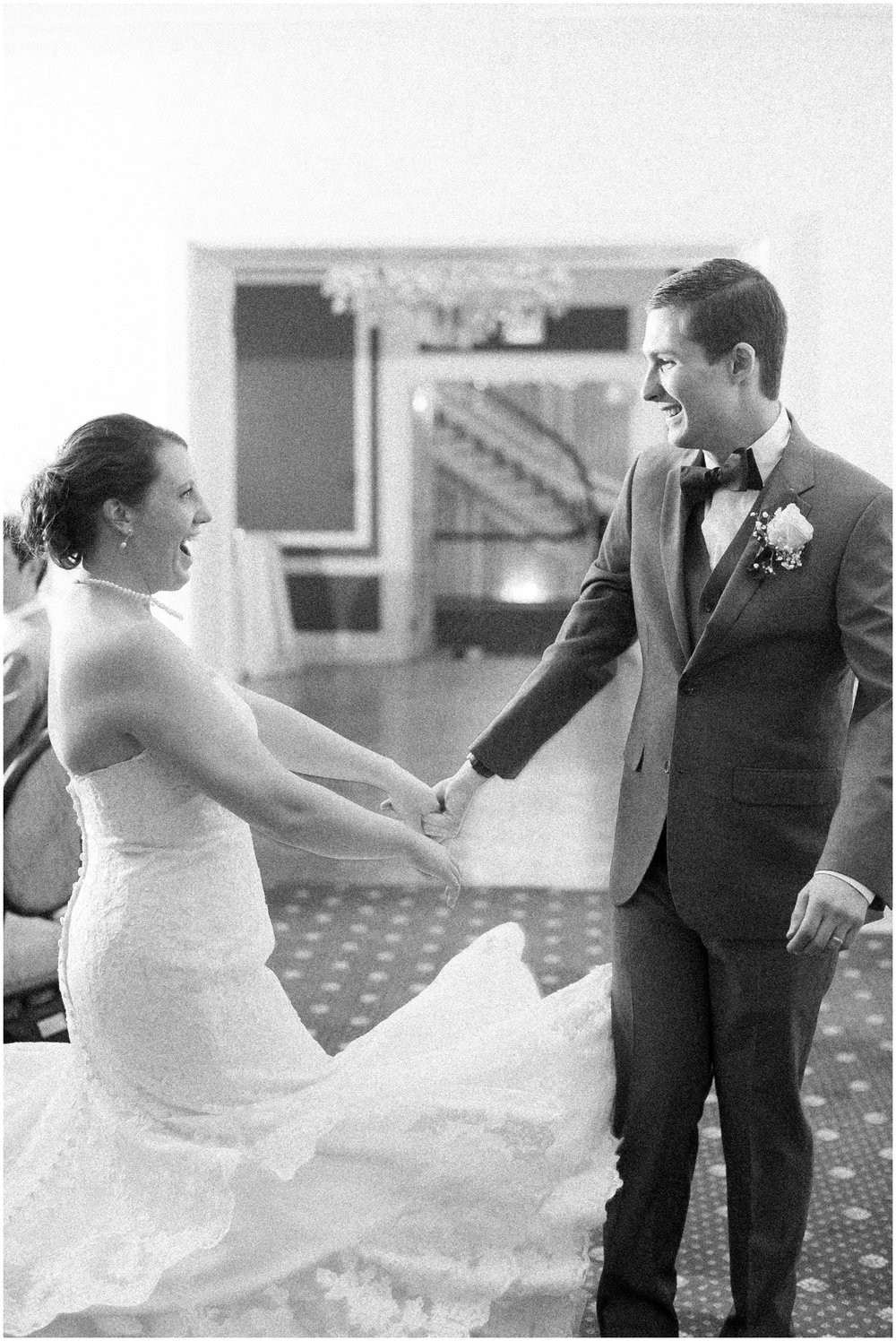 Madison_Club_Madison_Wisconsin_Wedding_Photographer_Spring_Rainy_Wedding_2667.jpg