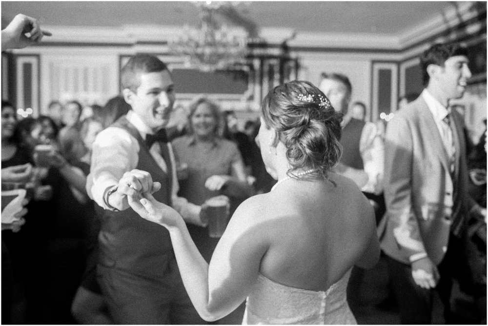 Madison_Club_Madison_Wisconsin_Wedding_Photographer_Spring_Rainy_Wedding_2678.jpg