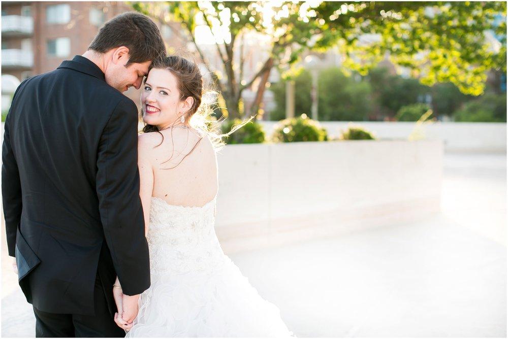 Madison_Wisconsin_Wedding_Photographers_Monona_Terrace_Wedding_3336.jpg