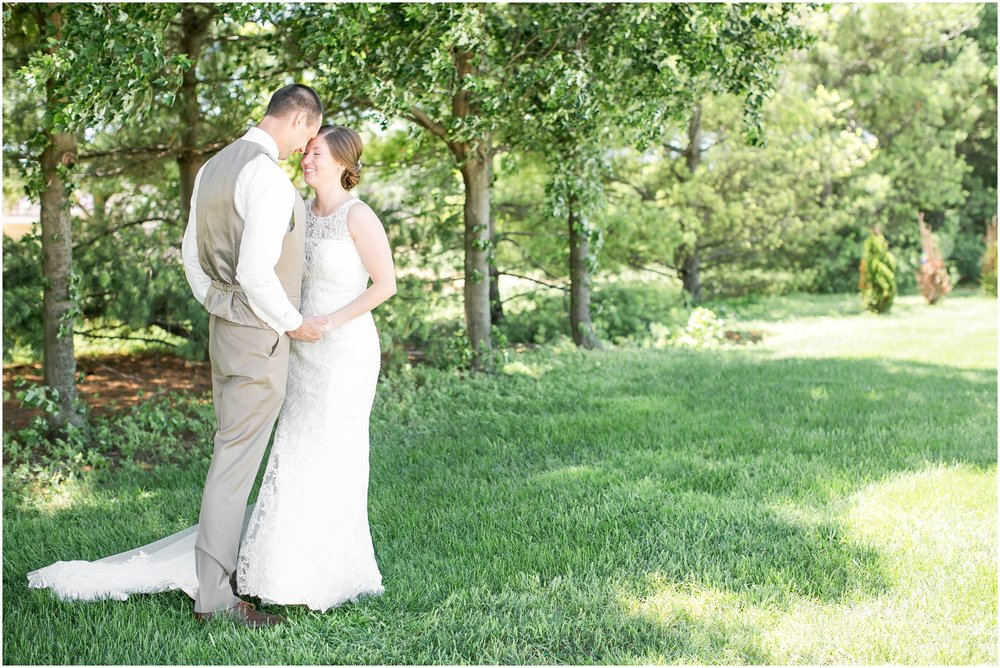 The_BARn_Summer_Wedding_Plateville_Wisconsin_Wedding_Photographers_3418.jpg