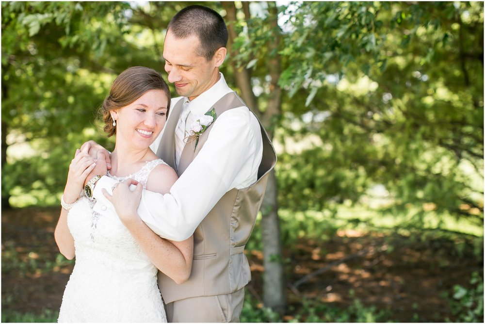 The_BARn_Summer_Wedding_Plateville_Wisconsin_Wedding_Photographers_3428.jpg
