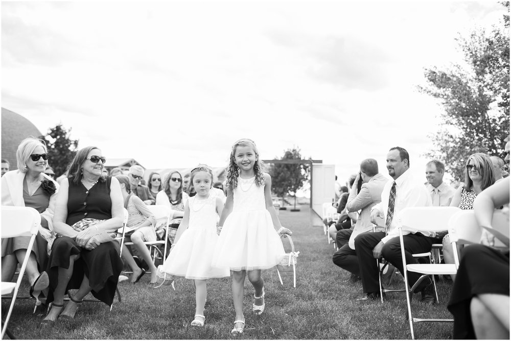 The_BARn_Summer_Wedding_Plateville_Wisconsin_Wedding_Photographers_3439.jpg