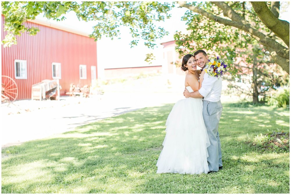 Schusters_Farm_Wedding_Deerfield_Wisconsin_0123.jpg