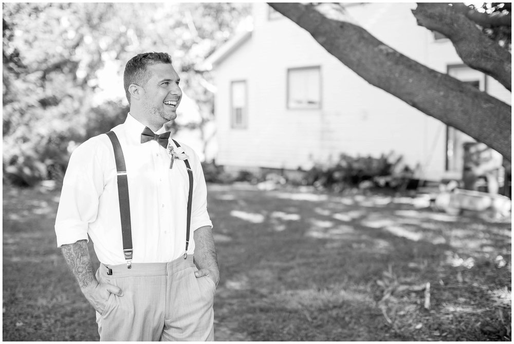 Schusters_Farm_Wedding_Deerfield_Wisconsin_0140.jpg