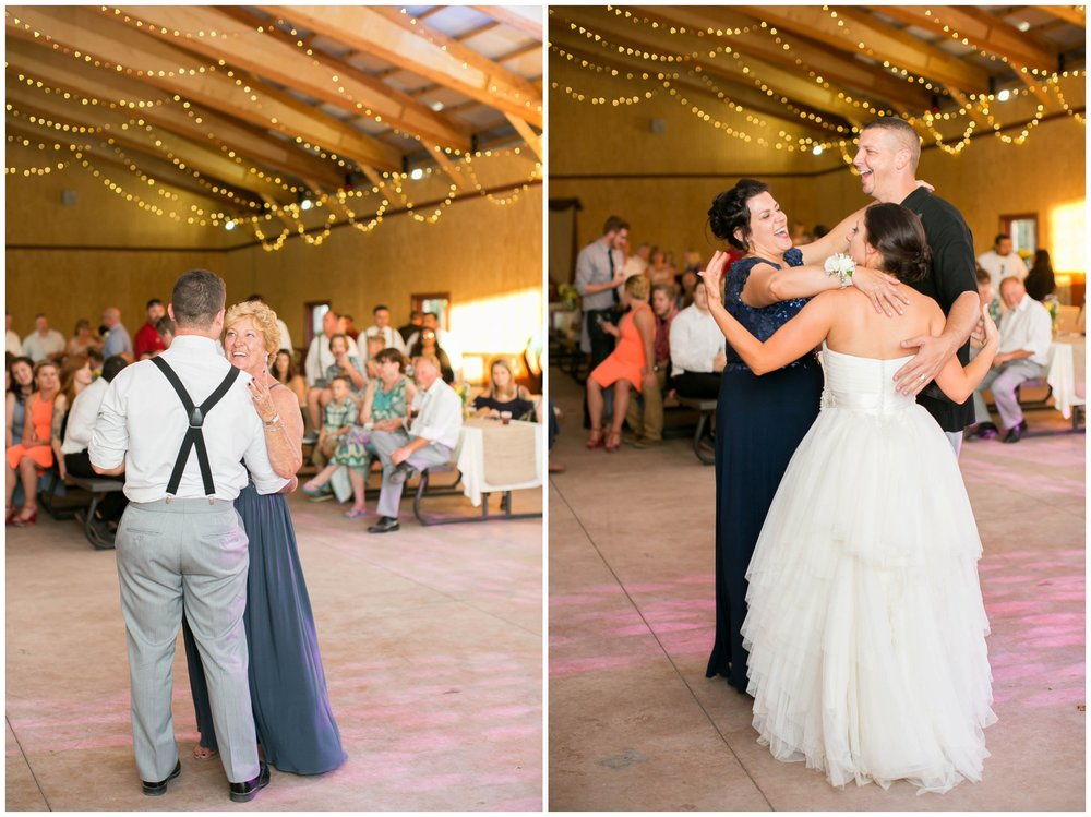 Schusters_Farm_Wedding_Deerfield_Wisconsin_0154.jpg
