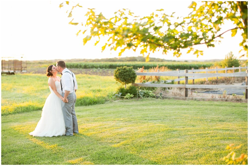 Schusters_Farm_Wedding_Deerfield_Wisconsin_0162.jpg