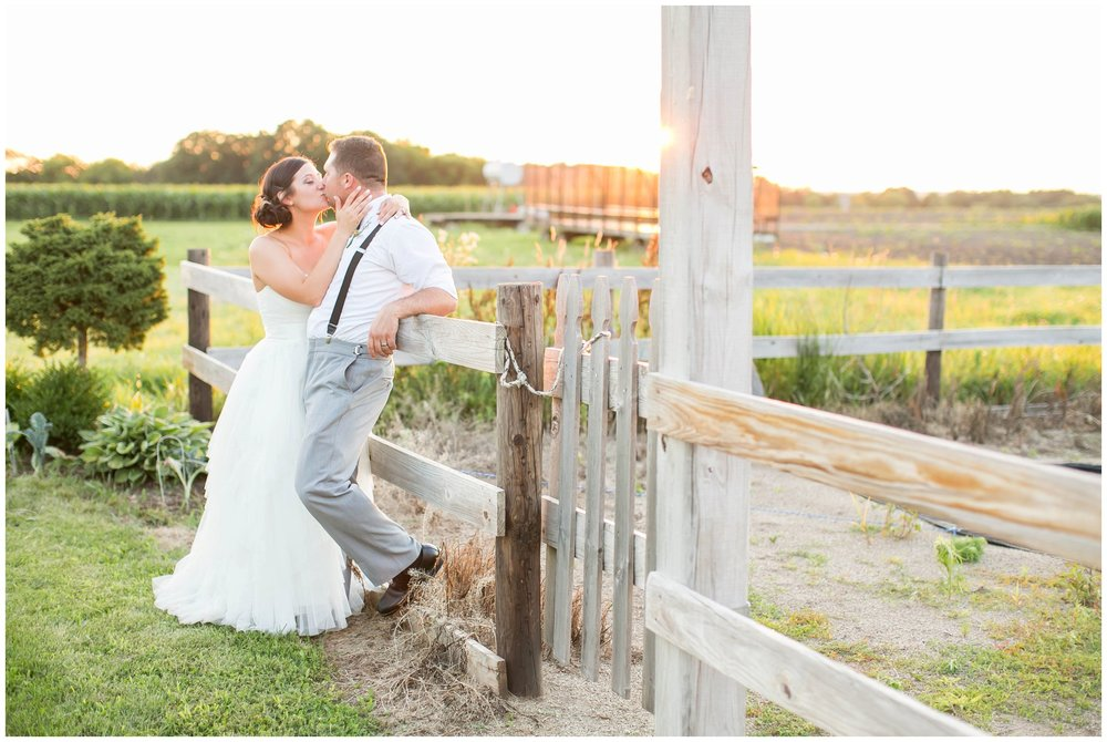 Schusters_Farm_Wedding_Deerfield_Wisconsin_0164.jpg