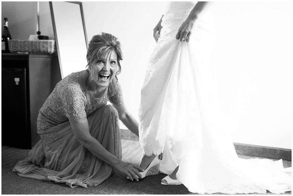 Over_The_Vines_Vineyard_Wedding_Edgerton_Wisconsin_0086.jpg