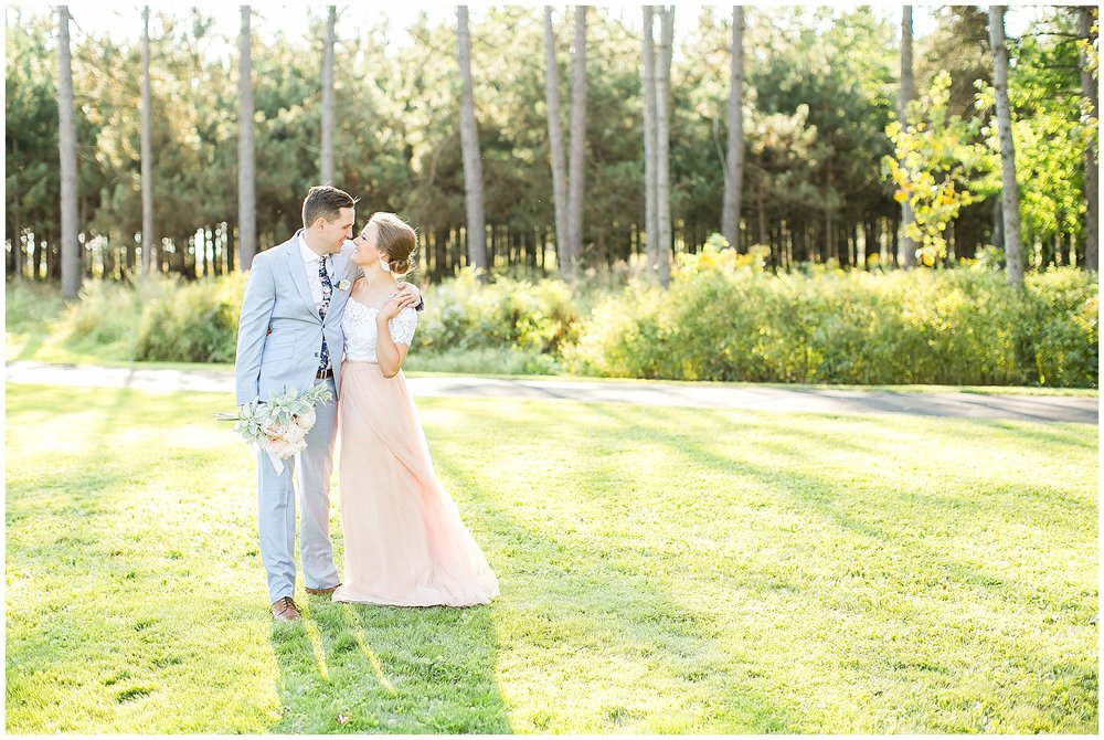 Wausau_Wisconsin_Wedding_Photographer_0410.jpg