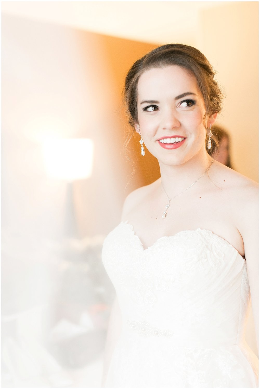 Madison_Wisconsin_Wedding_Photographers_Saint_Paul_University_Catholic_Center_0822.jpg