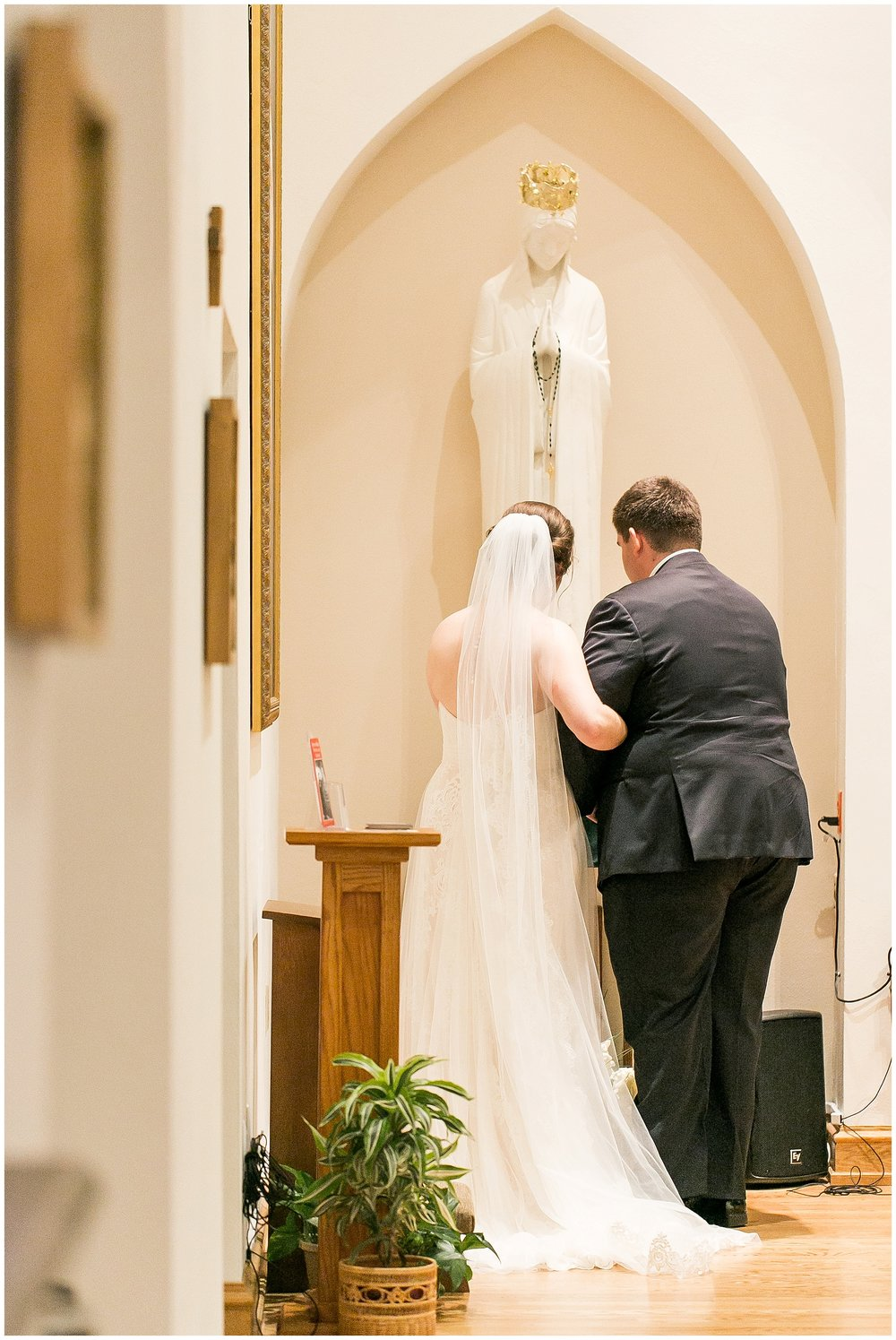Madison_Wisconsin_Wedding_Photographers_Saint_Paul_University_Catholic_Center_0867.jpg