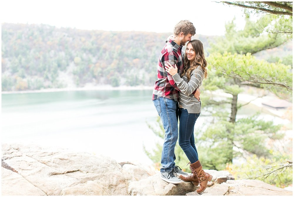 Devils_Lake_State_Park_Engagement_Session_0896.jpg