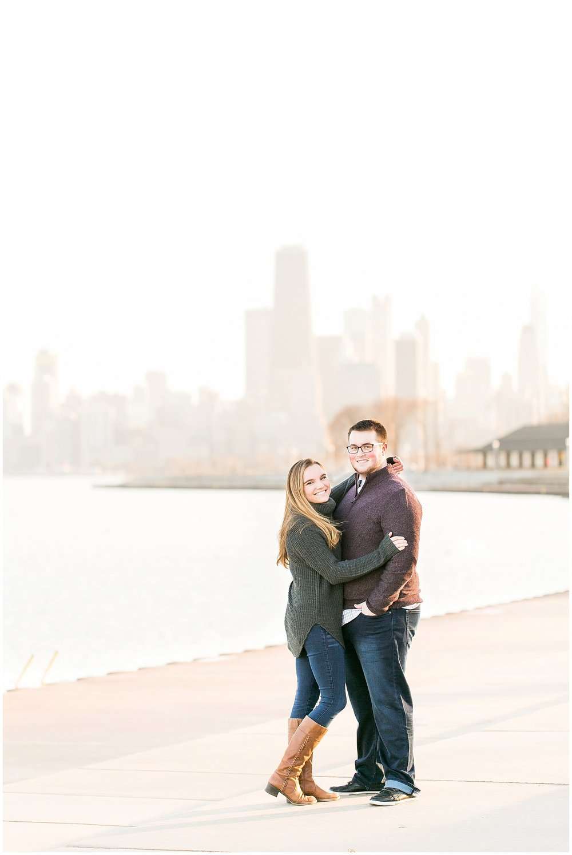 Chicago_Engagement_and_wedding_photographer_chicago_skyline_0978.jpg