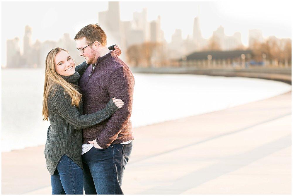 Chicago_Engagement_and_wedding_photographer_chicago_skyline_0980.jpg