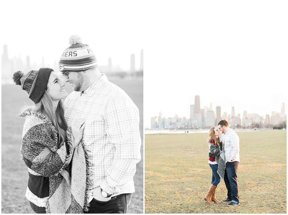 Chicago_Engagement_and_wedding_photographer_chicago_skyline_0999.jpg