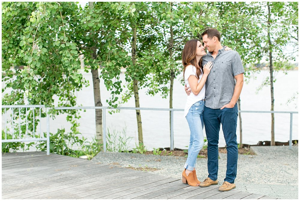 Milwaukee_waterfront_engagement_session_Madison_wisconsin_wedding_photographers_0008.jpg