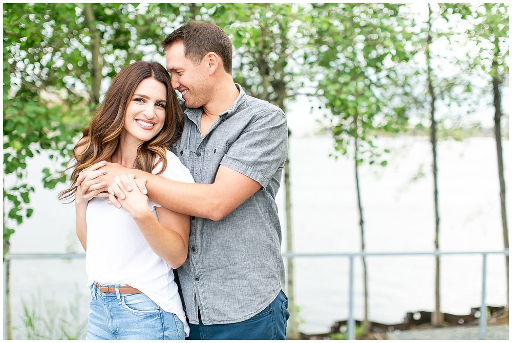 Milwaukee_waterfront_engagement_session_Madison_wisconsin_wedding_photographers_0010.jpg