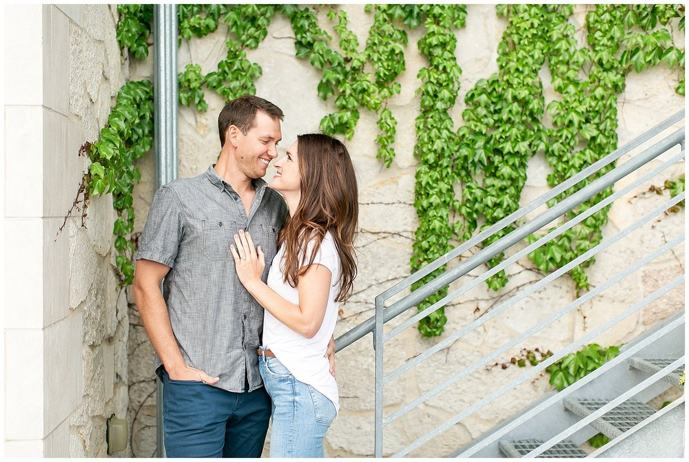 Milwaukee_waterfront_engagement_session_Madison_wisconsin_wedding_photographers_0012.jpg