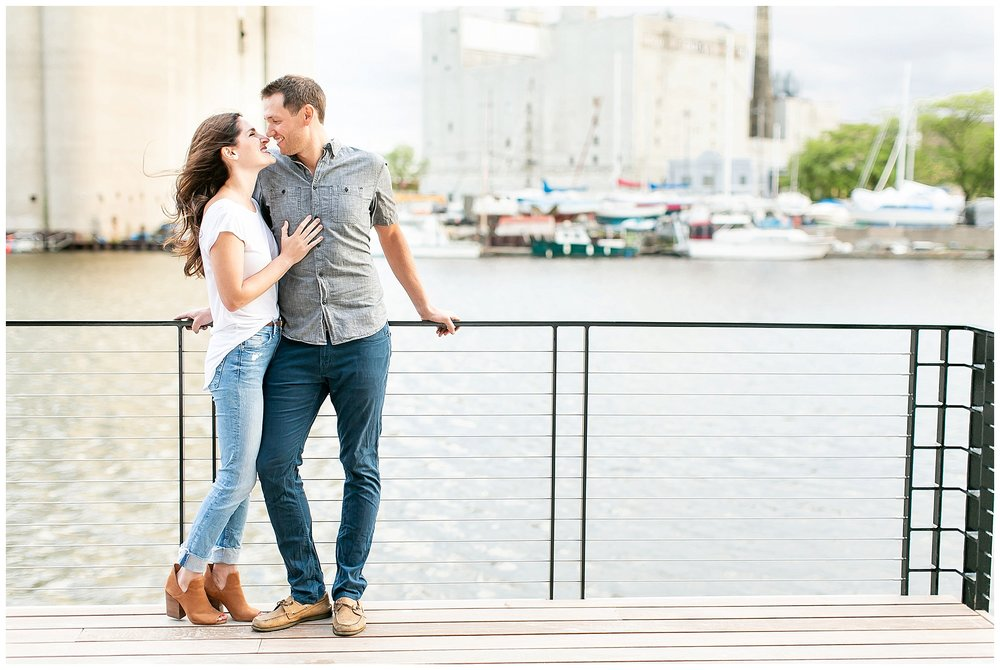Milwaukee_waterfront_engagement_session_Madison_wisconsin_wedding_photographers_0020.jpg
