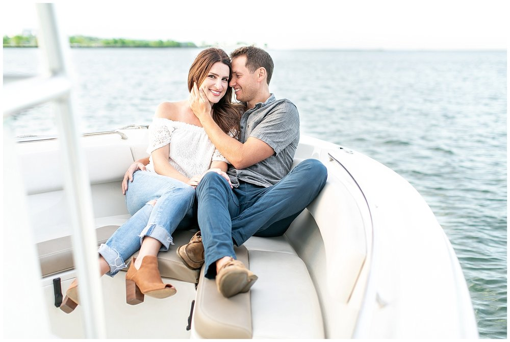 Milwaukee_waterfront_engagement_session_Madison_wisconsin_wedding_photographers_0023.jpg