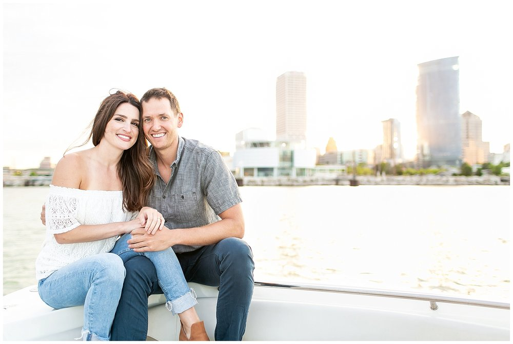 Milwaukee_waterfront_engagement_session_Madison_wisconsin_wedding_photographers_0025.jpg