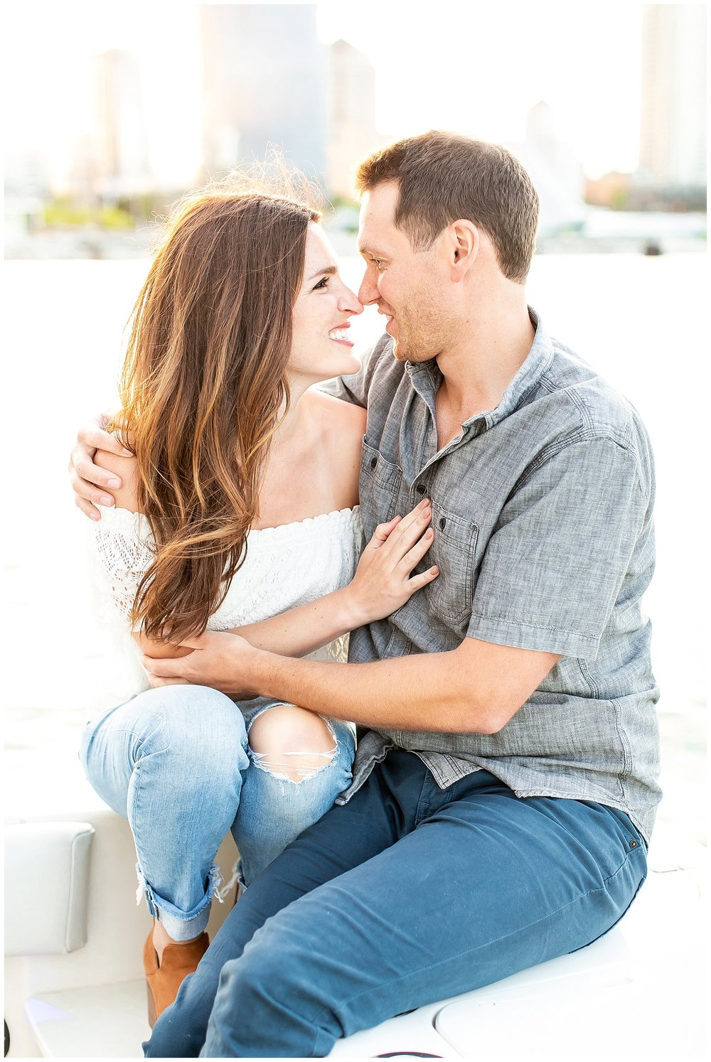 Milwaukee_waterfront_engagement_session_Madison_wisconsin_wedding_photographers_0028.jpg