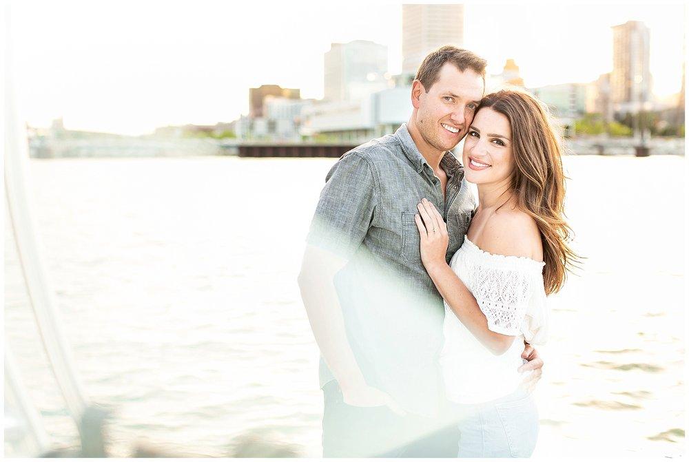 Milwaukee_waterfront_engagement_session_Madison_wisconsin_wedding_photographers_0031.jpg