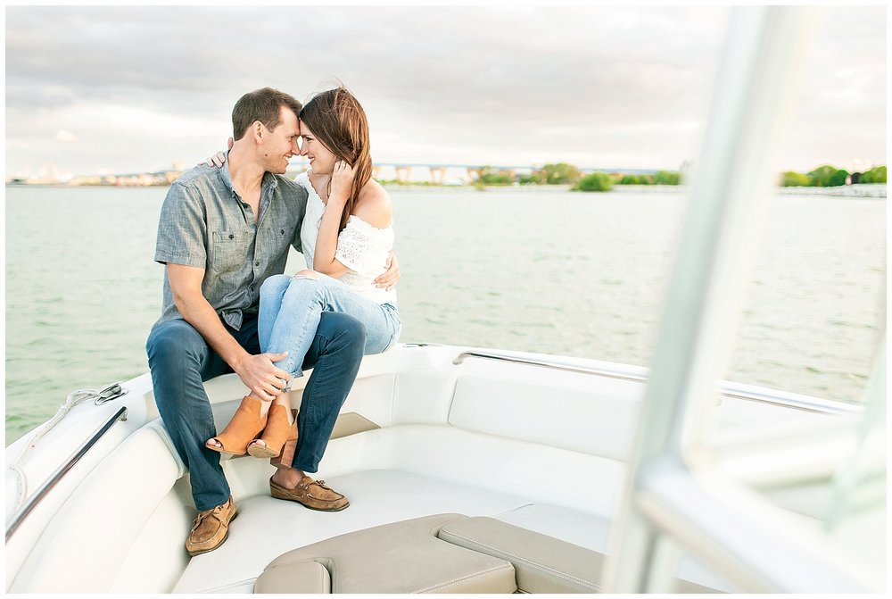 Milwaukee_waterfront_engagement_session_Madison_wisconsin_wedding_photographers_0033.jpg