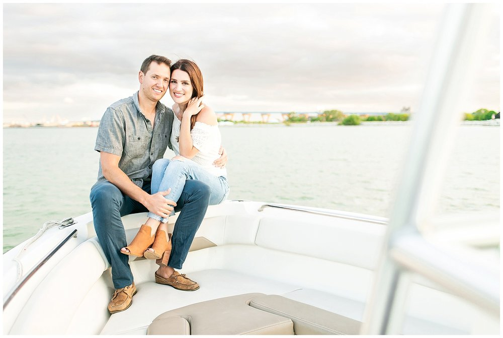 Milwaukee_waterfront_engagement_session_Madison_wisconsin_wedding_photographers_0035.jpg