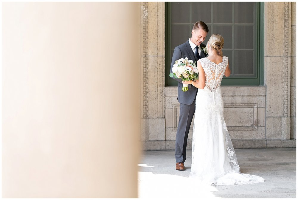 Madison_wisconsin_wedding_photographers_memorial_union_wedding_great_hall_0101.jpg