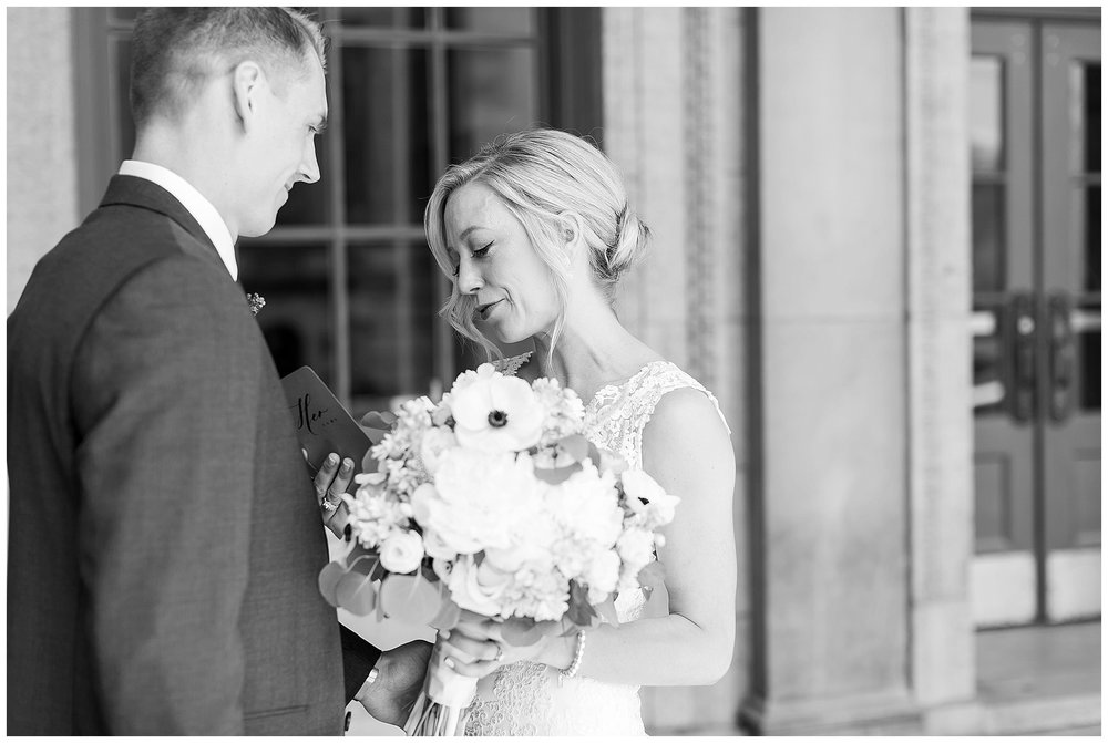 Madison_wisconsin_wedding_photographers_memorial_union_wedding_great_hall_0103.jpg
