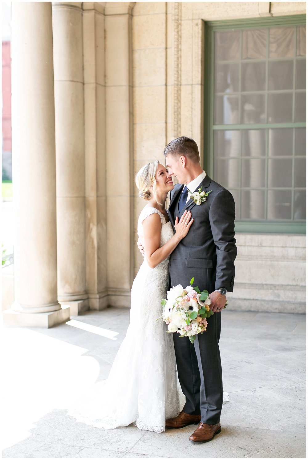 Madison_wisconsin_wedding_photographers_memorial_union_wedding_great_hall_0111.jpg