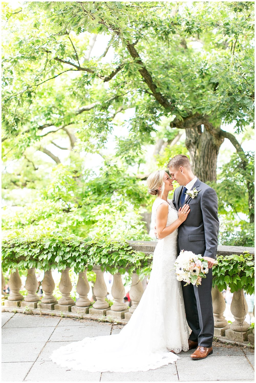 Madison_wisconsin_wedding_photographers_memorial_union_wedding_great_hall_0133.jpg