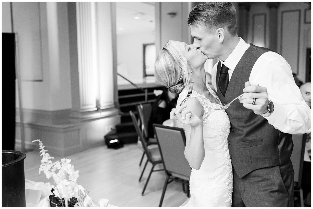 Madison_wisconsin_wedding_photographers_memorial_union_wedding_great_hall_0156.jpg