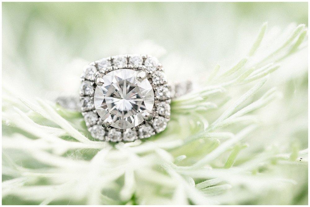Madison_wisconsin_wedding_photographers_rustic_summer_engagement_session_0208.jpg