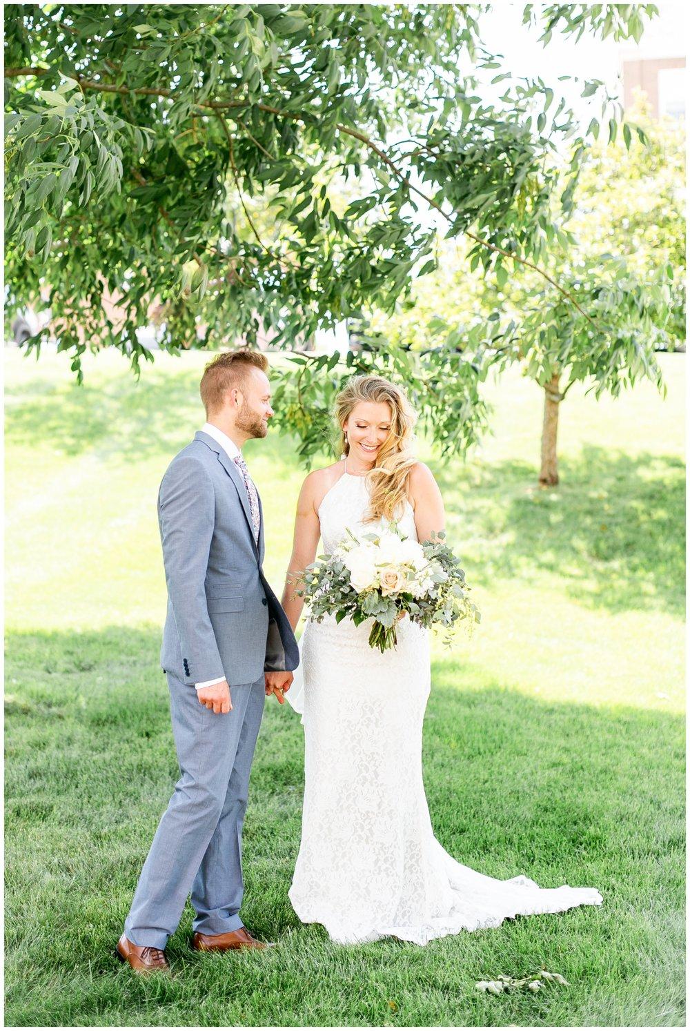 the_cupola_barn_wedding_delafield_resort_oconomowoc_wisconsin_0345.jpg