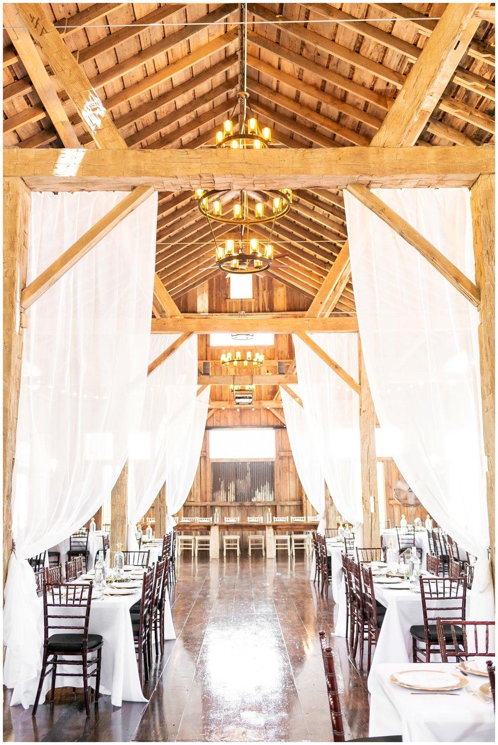 the_cupola_barn_wedding_delafield_resort_oconomowoc_wisconsin_0375.jpg