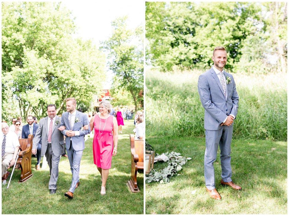 the_cupola_barn_wedding_delafield_resort_oconomowoc_wisconsin_0383.jpg
