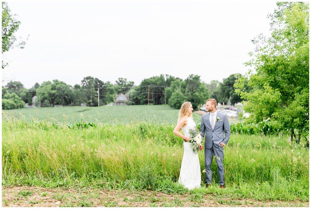 the_cupola_barn_wedding_delafield_resort_oconomowoc_wisconsin_0410.jpg