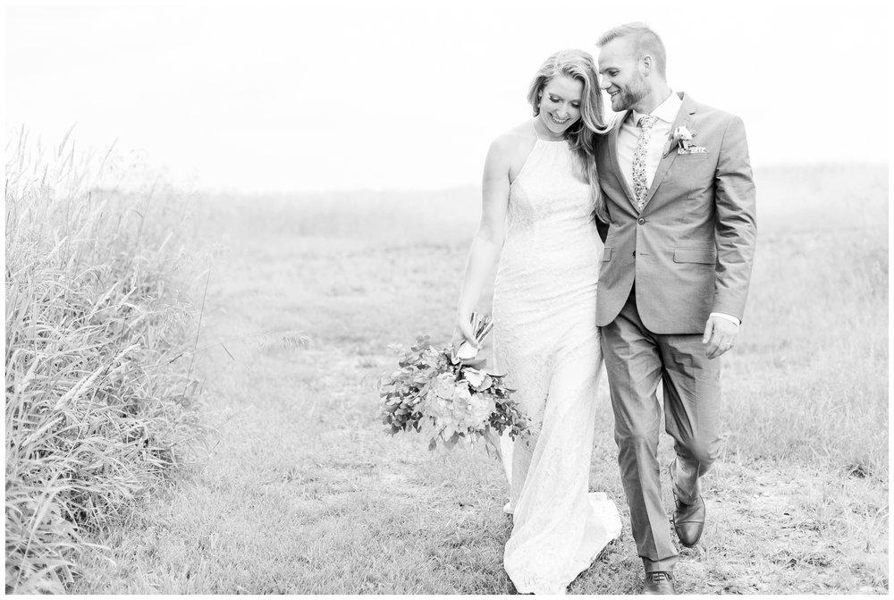 the_cupola_barn_wedding_delafield_resort_oconomowoc_wisconsin_0413.jpg