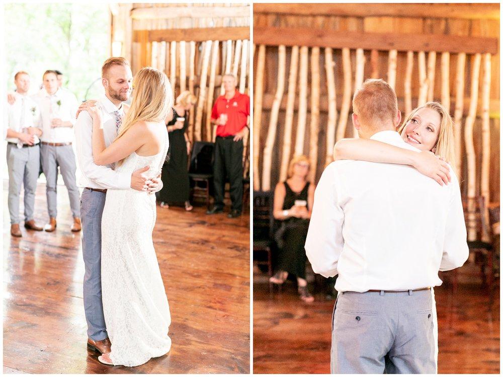 the_cupola_barn_wedding_delafield_resort_oconomowoc_wisconsin_0414.jpg