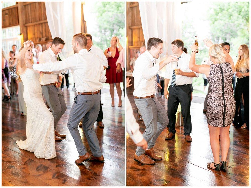 the_cupola_barn_wedding_delafield_resort_oconomowoc_wisconsin_0417.jpg