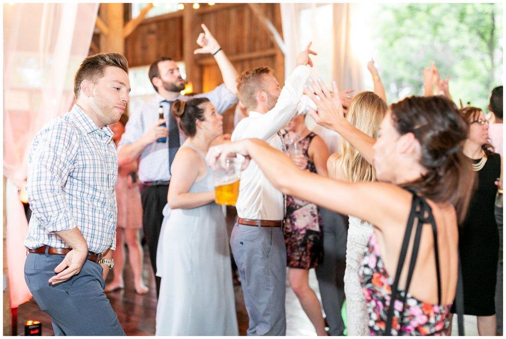 the_cupola_barn_wedding_delafield_resort_oconomowoc_wisconsin_0418.jpg