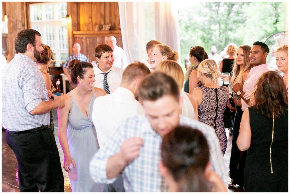the_cupola_barn_wedding_delafield_resort_oconomowoc_wisconsin_0420.jpg