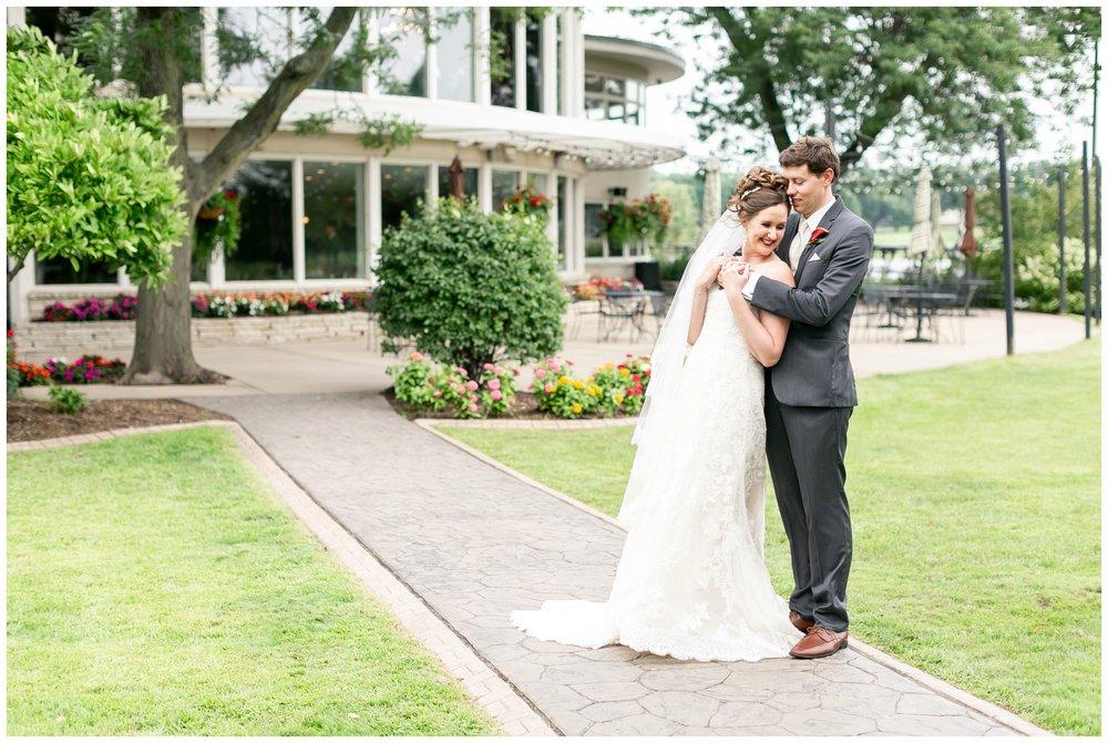 lake_windsor_country_club_wedding_liz_and_scott_0727.jpg